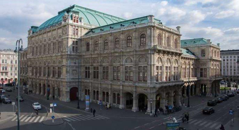Viyana Opera Binas?