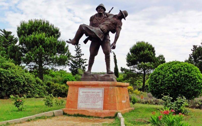 Mehmetçik'e Saygı Anıtı